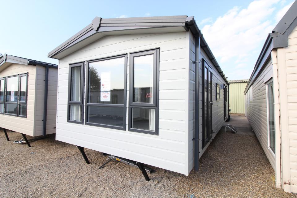 View Sambeck Woodland Retreat 32x12ft 2 Bedrooms SC6879